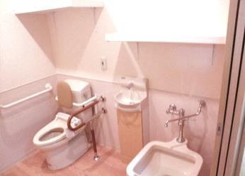 トイレ:安心の広さ