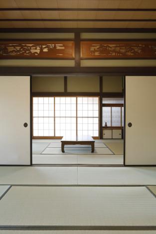 和室は欄間や床の間、真壁構造など、日本の住文化を存分に楽しめるシンプルで美しい造りになっています。